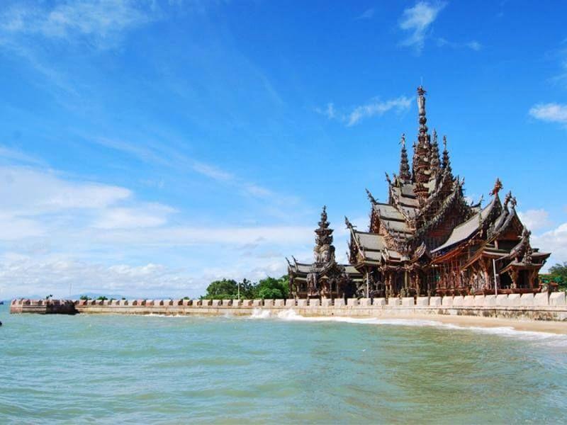 фото храм истины в Паттайе
