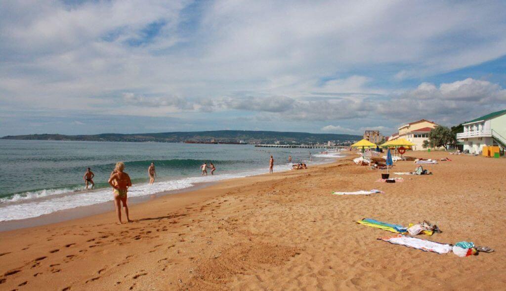пляж в Феодосии фото