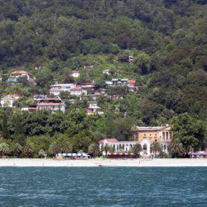 фото выбор жилья в Абхазии