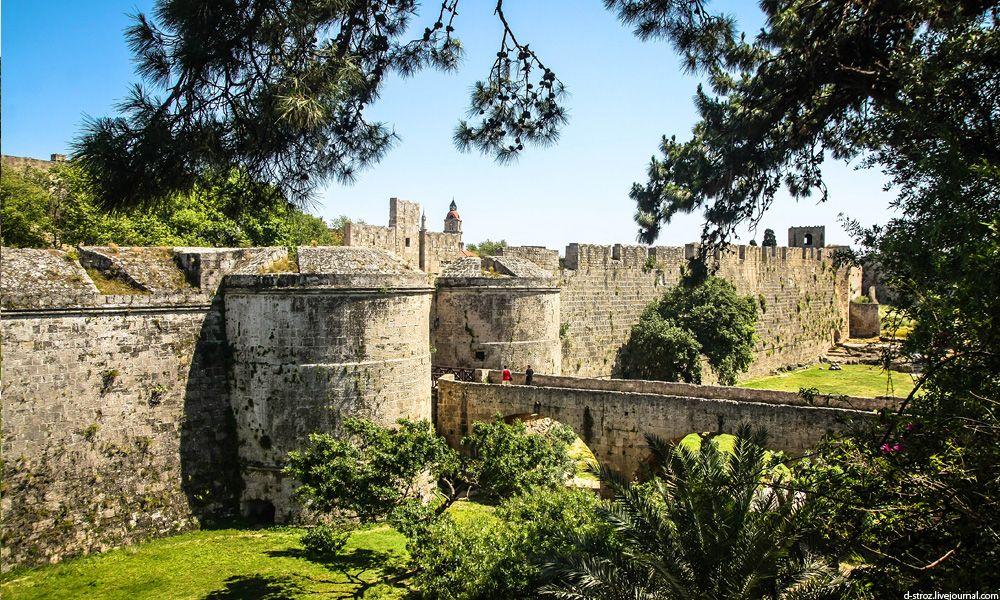 фото Родосская крепость в столице острова