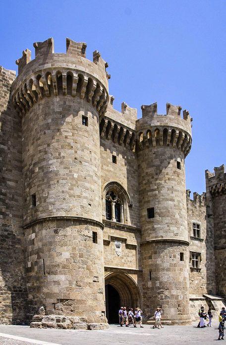 фото вход в дворец великих магистров