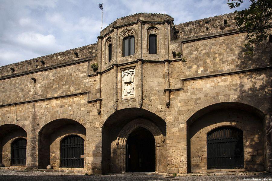 фото вход в археологический музей