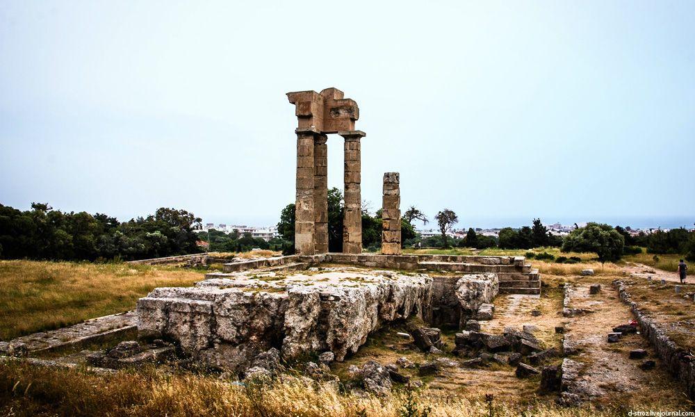 фото руины храма Аполлона Пифийского