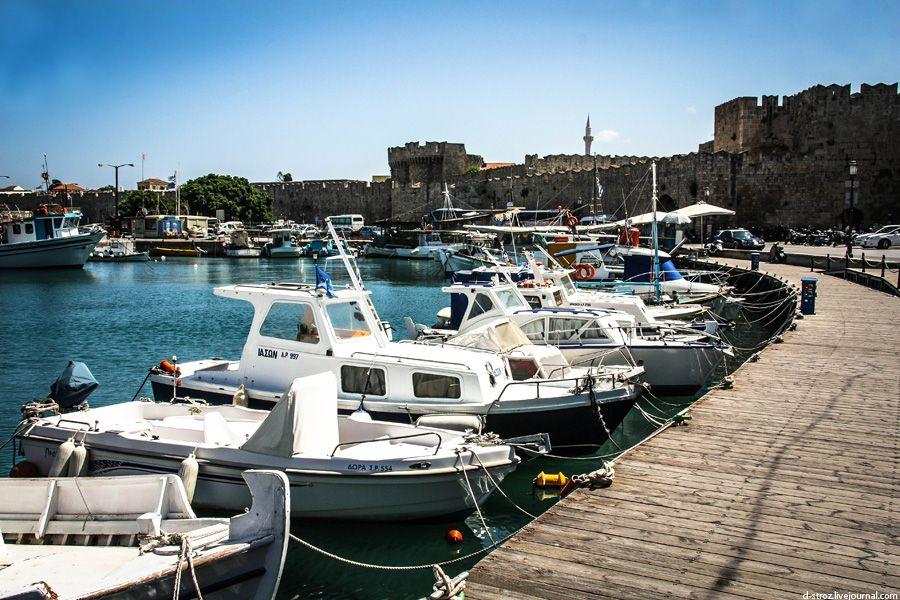 Фото гавань Мандраки