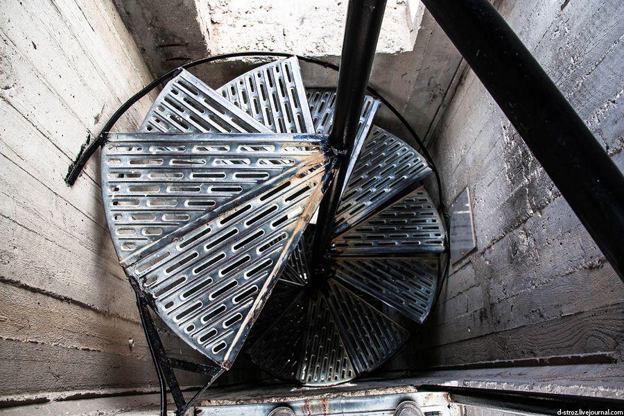 фото винтовая лестница в кресте