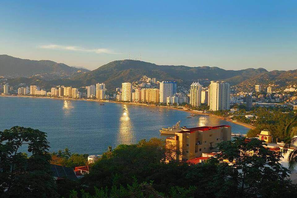 фото портового города Акапулько