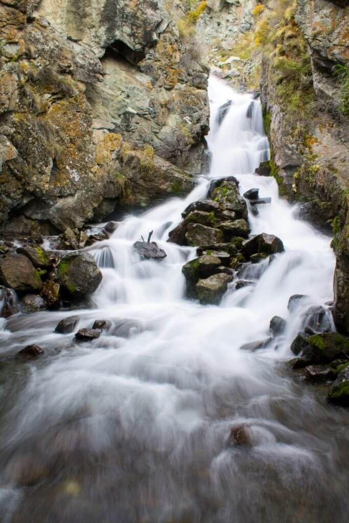 алтайский водопад в 30км от Чемала