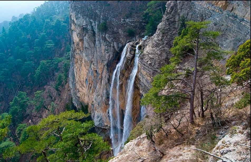 Водопад Учан-Су на Крымском полуострове