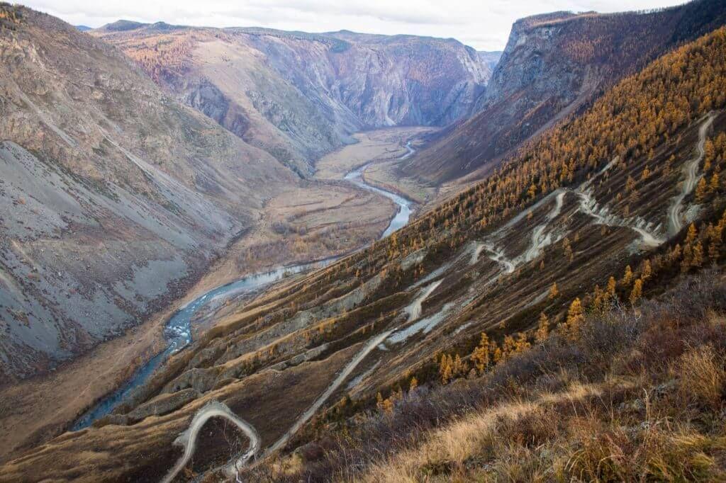 фото спуск к реке Челушман