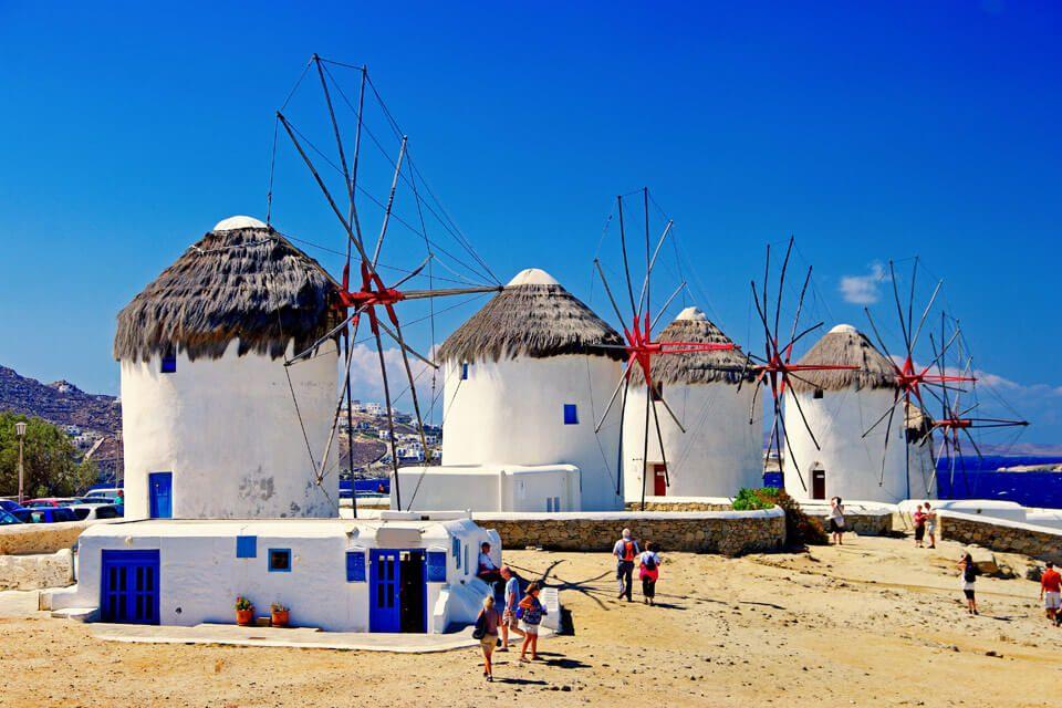 фото ветряных мельниц на острове Миконос