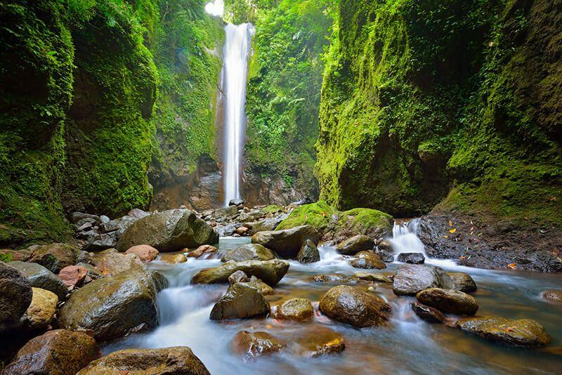 Водопады на острове Негрос