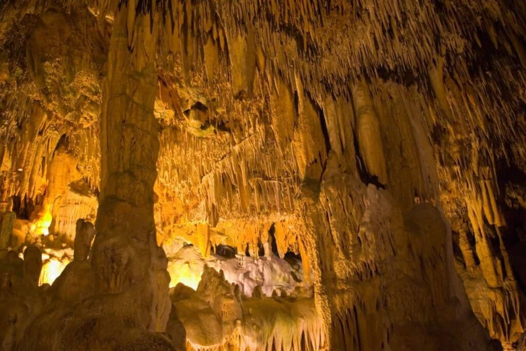 пещера Дамлаташ в Алании