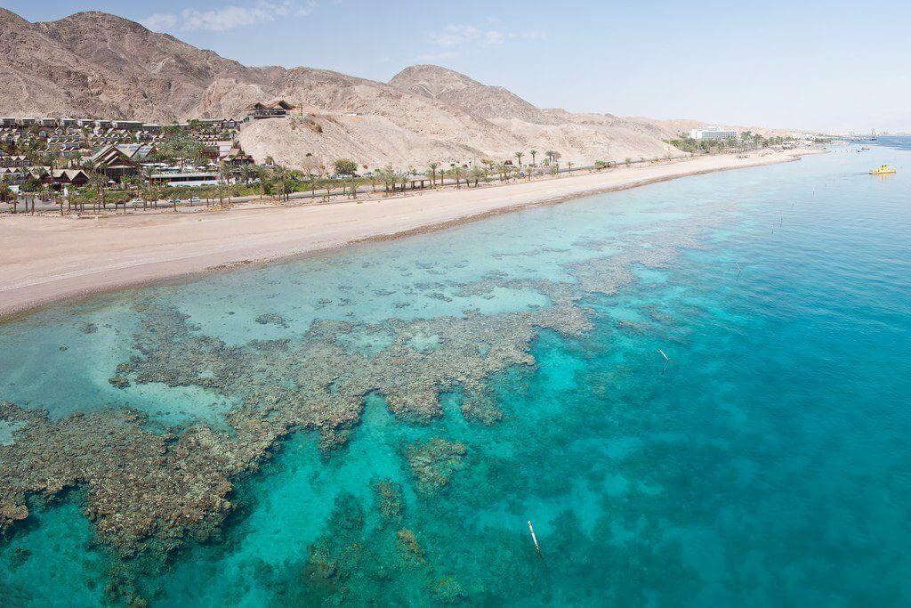 фото кораллового пляжа в Израиле