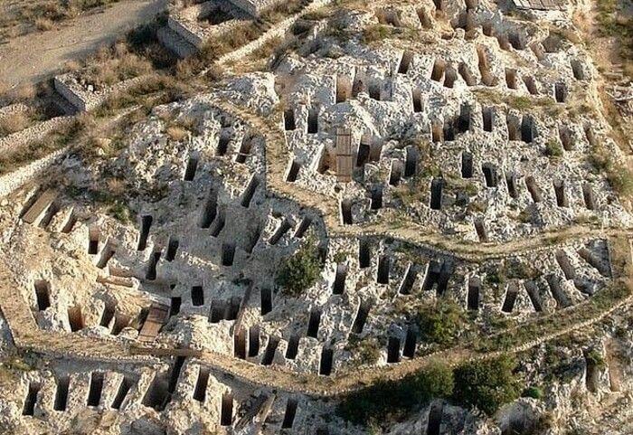 фото финикийского некрополя в Сардинии