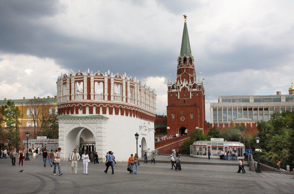 Троицкие ворота в Москве