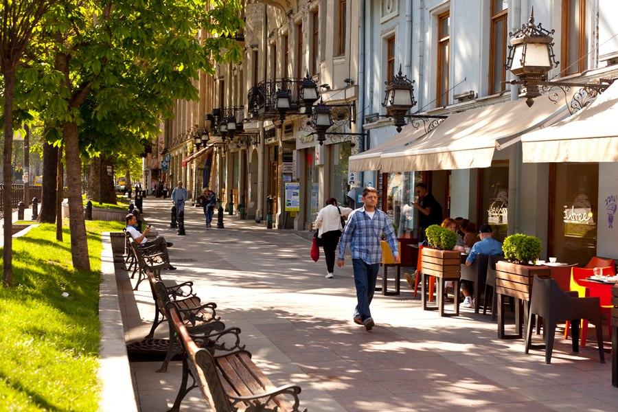 Проспект Руставели - Одна из главных улиц Тбилиси