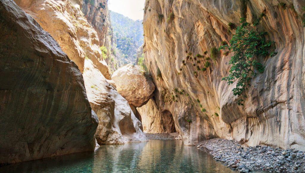 Красивый каньон в Гейнюке