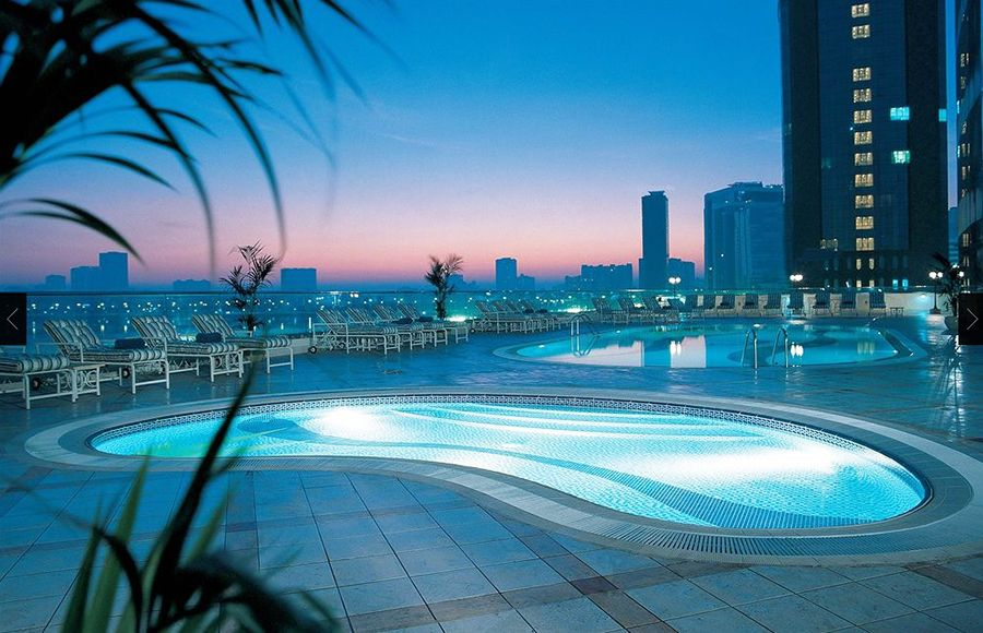 Hilton Sharjah 5* бассейн