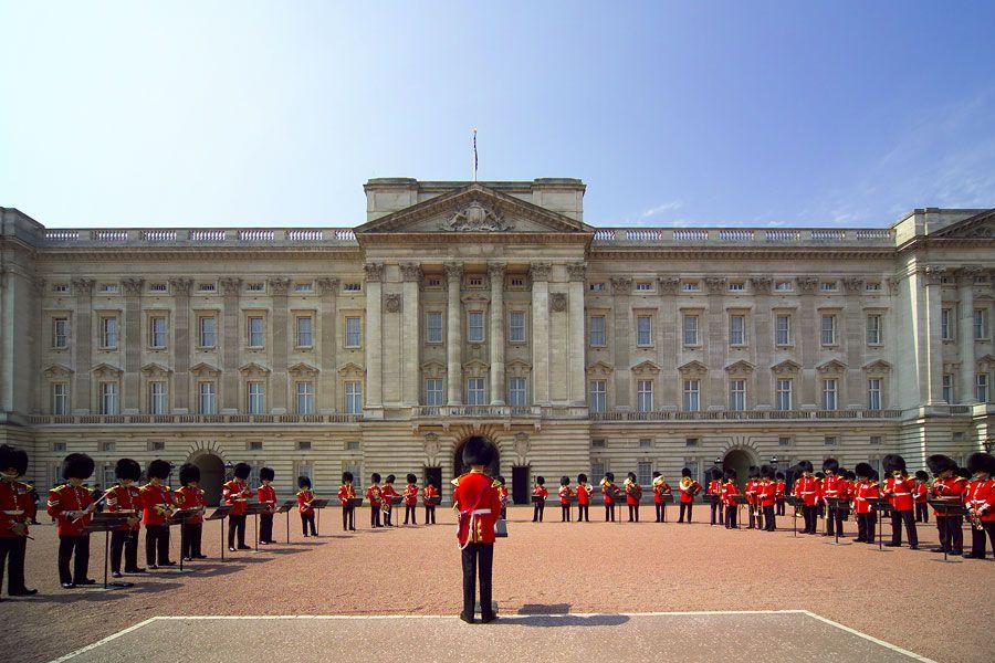 Резиденция королевы Британии