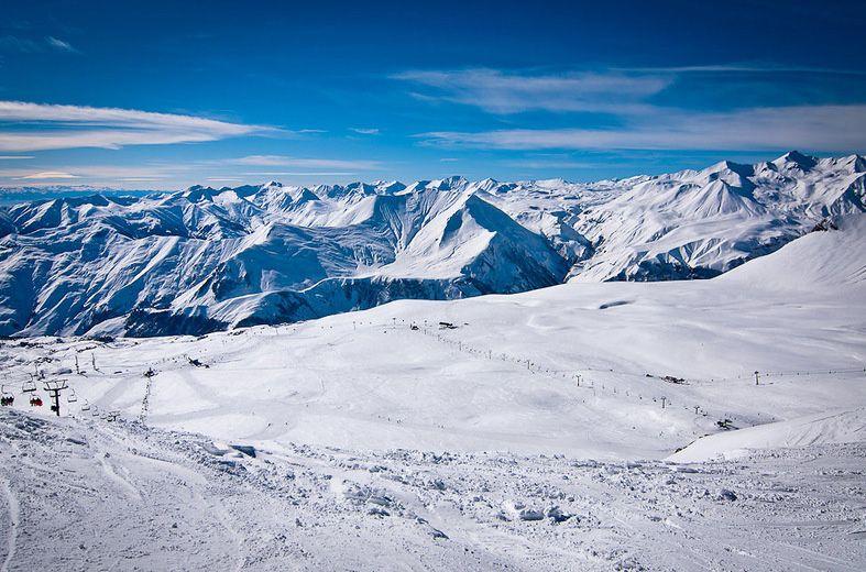 Все достоинства горнолыжного курорта Гудаури на одном сайте