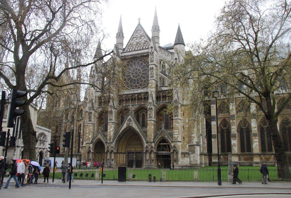 Соборная церковь Св. Петра в Лондоне