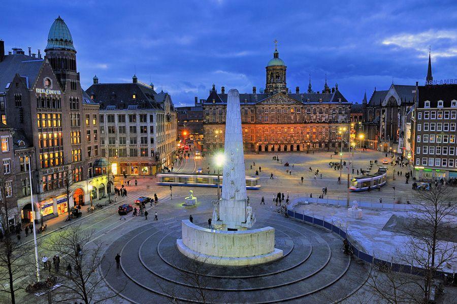 Амстердам площадь дам
