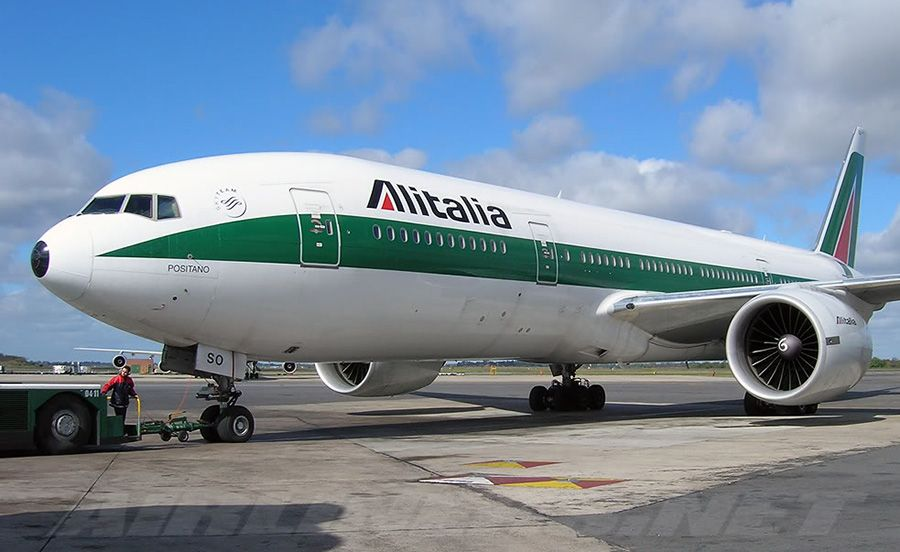 Alitalia самолет