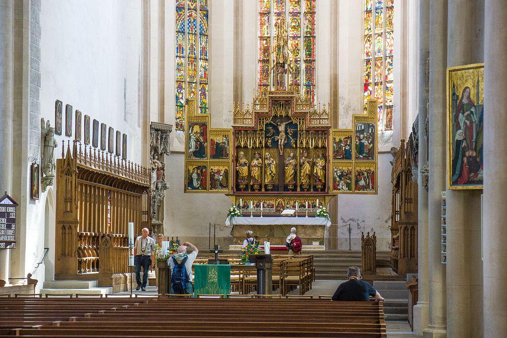 фото внутри церкви Святого Иакова