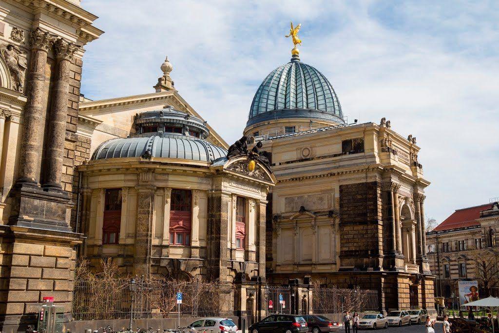 Академия изобразительных искусств в Дрездене, Германия