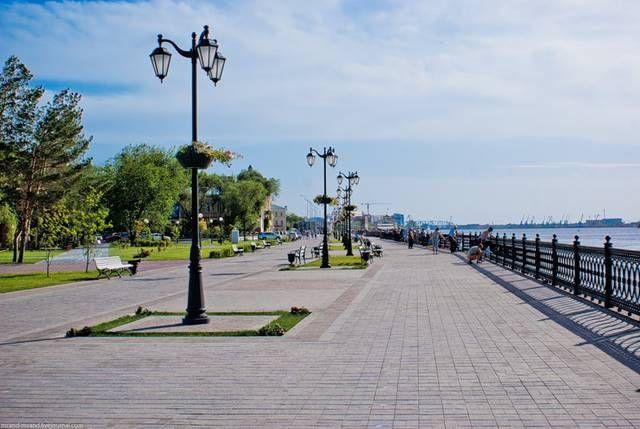 Набережная реки Волги в Астрахани
