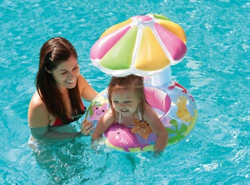 Плавательный круг необходи, когда едешь на море с ребенком