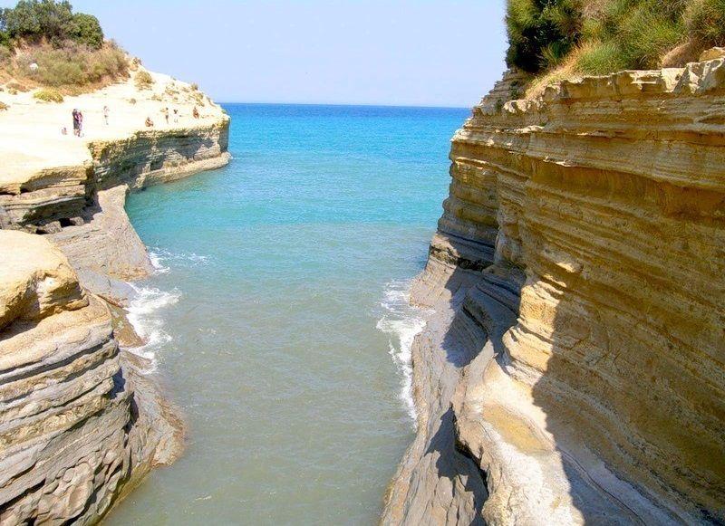 Канал любви в Сидари, остров Корфу, Греция