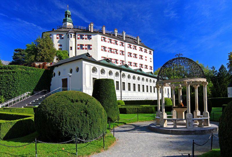 Замок Амбрас в Инсбруке, Австрия