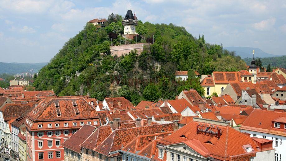 Замок Шлосберг («замковая гора»). Грац, Австрия