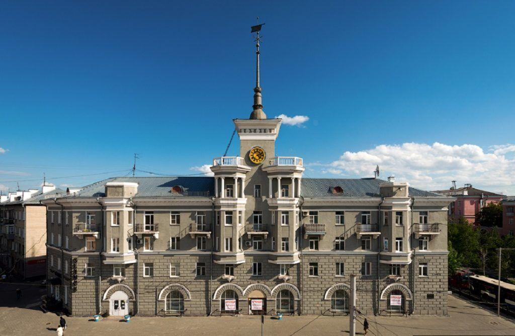 Дом под шпилем, Барнаул