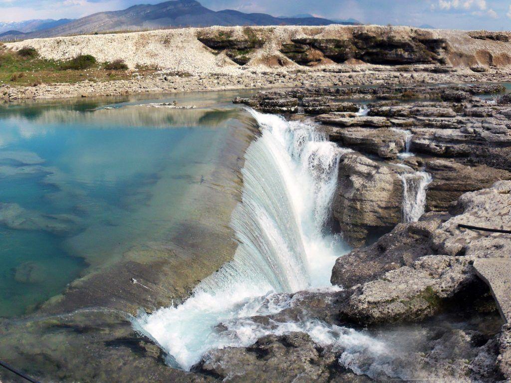 Водопад Ниагара на реке Циевна, Черногория, Подгорица