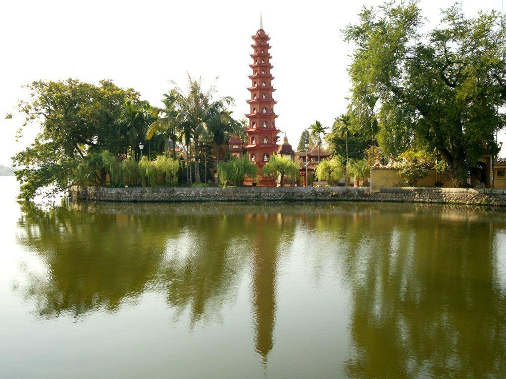Храм Чанкуок в Ханое
