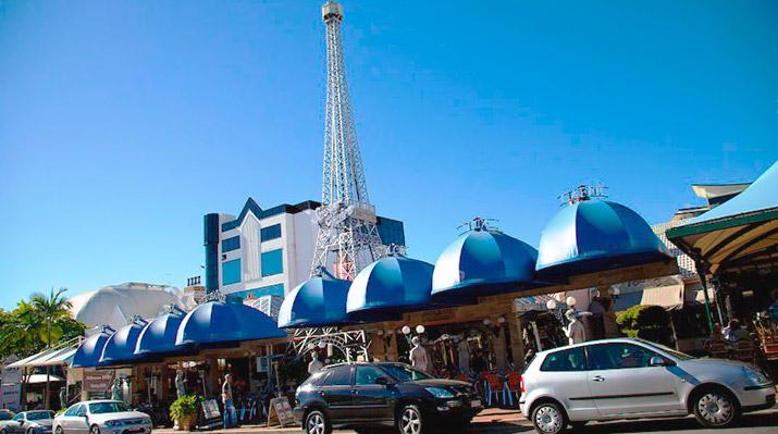 Эйфелева башня в ресторане «Дольче Вита».