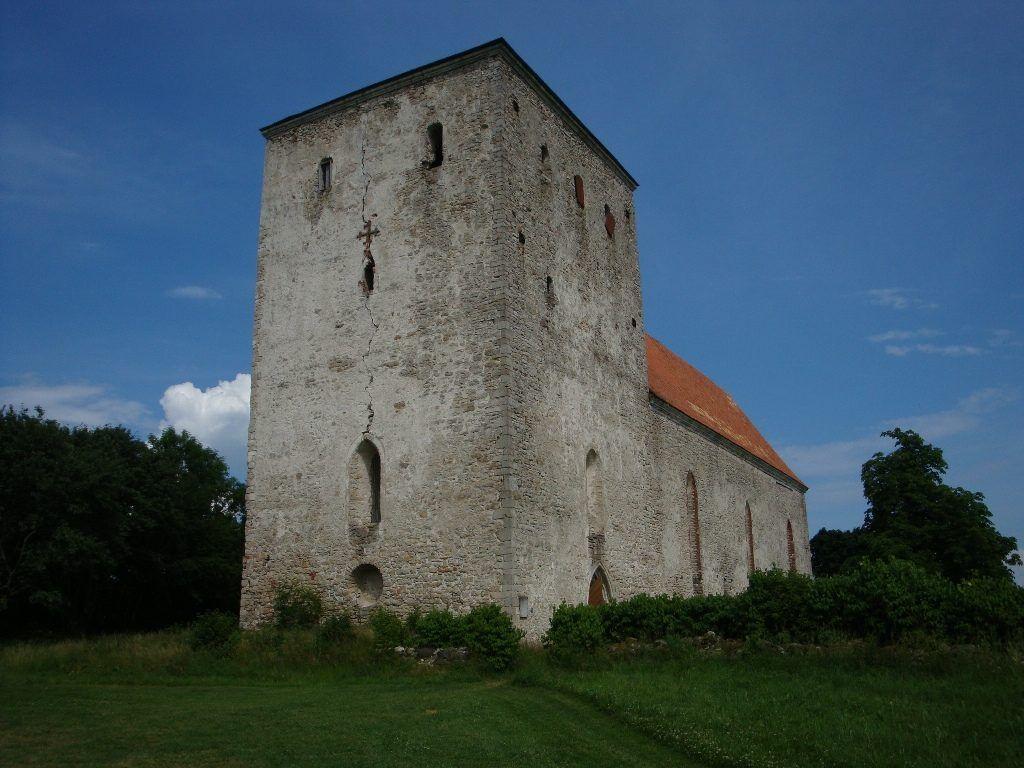 Замок Пёйде, Эстония, Сааремаа,