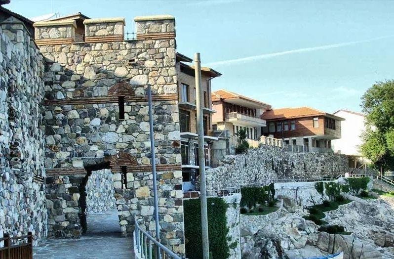 Южная крепостная стена в Созополе, Болгария