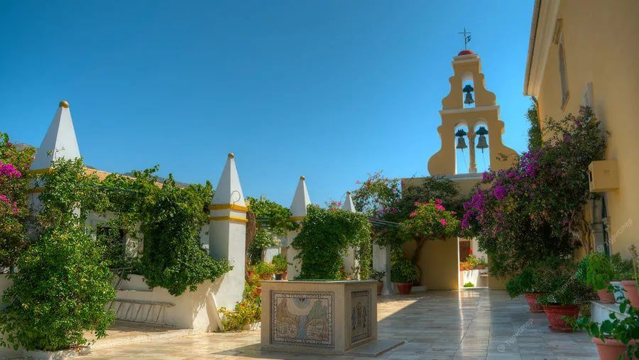 Монастырь в Палиокастрице, Корфу, Греция