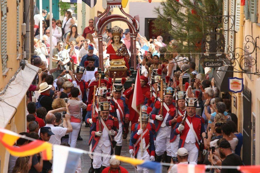 Бравада, посвященная Тропесу в Сен-Тропе