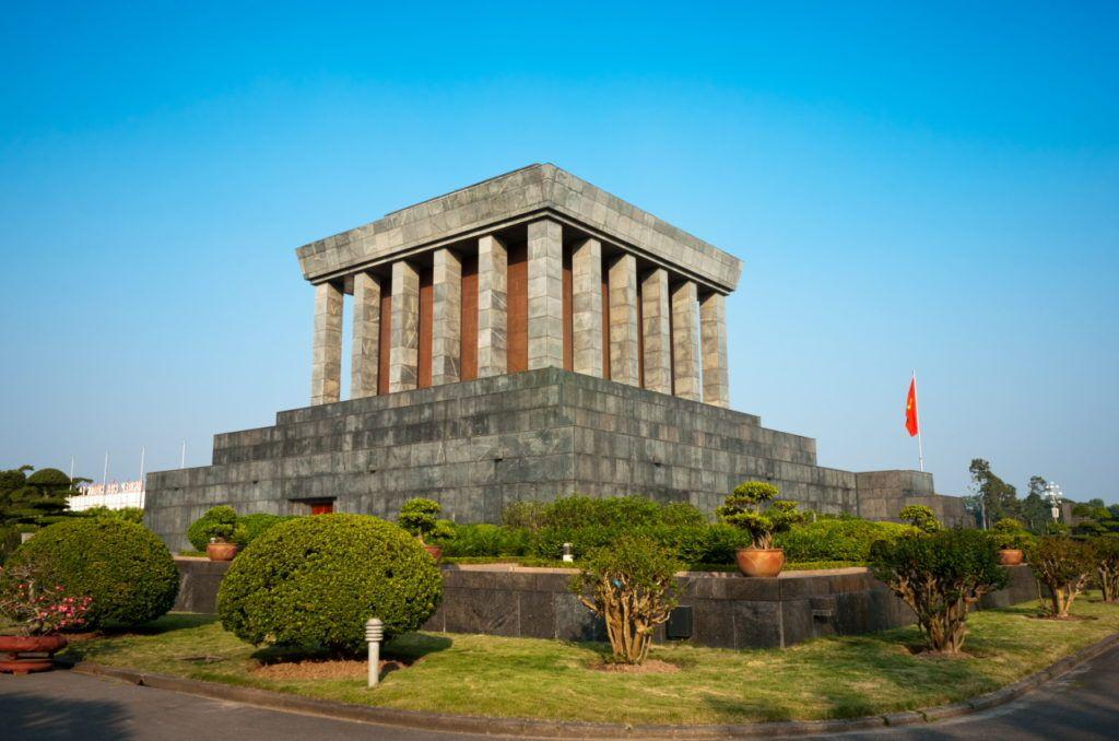 Усыпальница Хо Ши Мина в Ханое