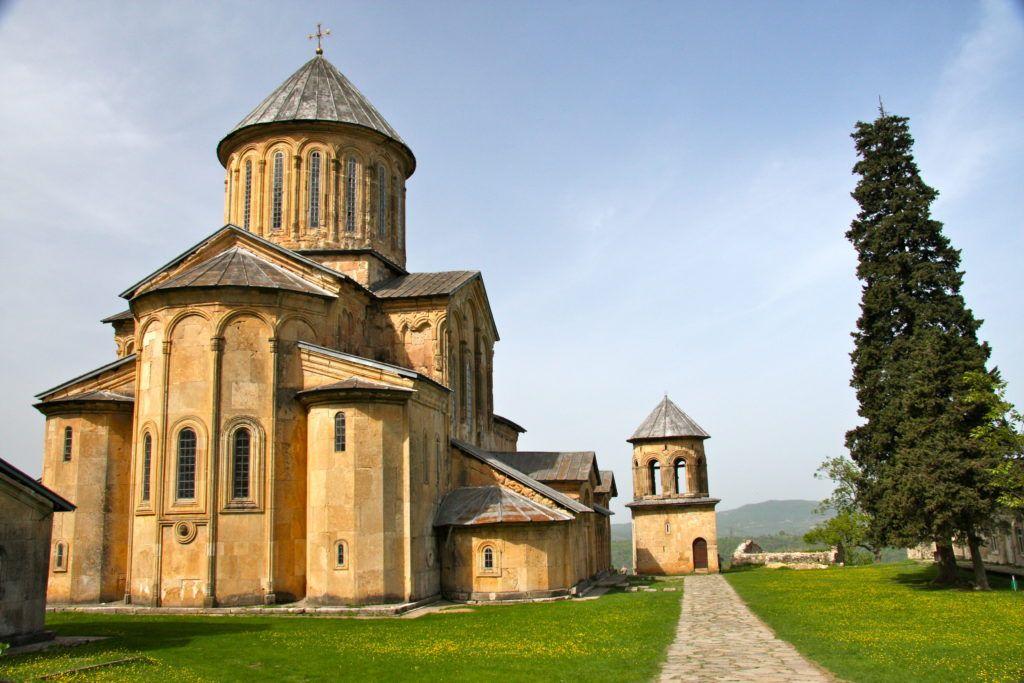 Гелатский монастырь близ Кутаиси, Грузия
