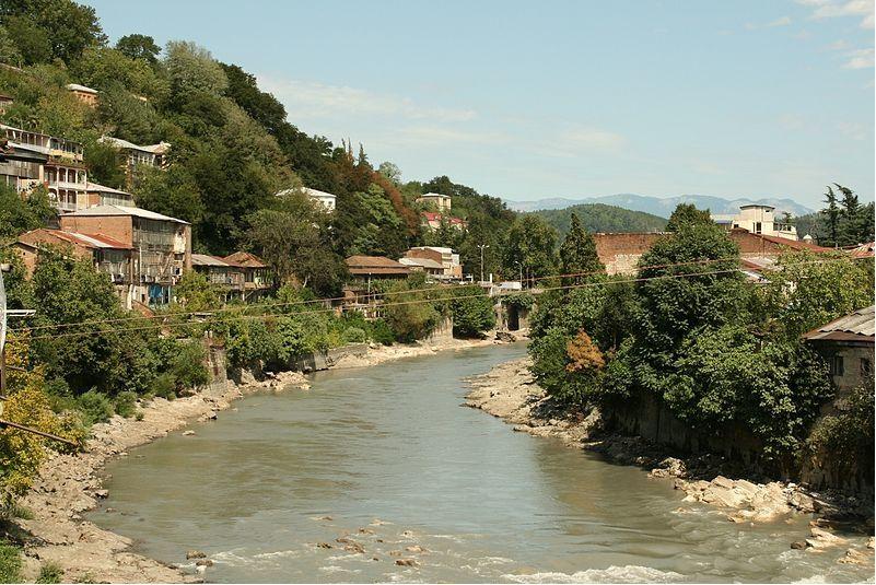 Река Риони в Кутаиси