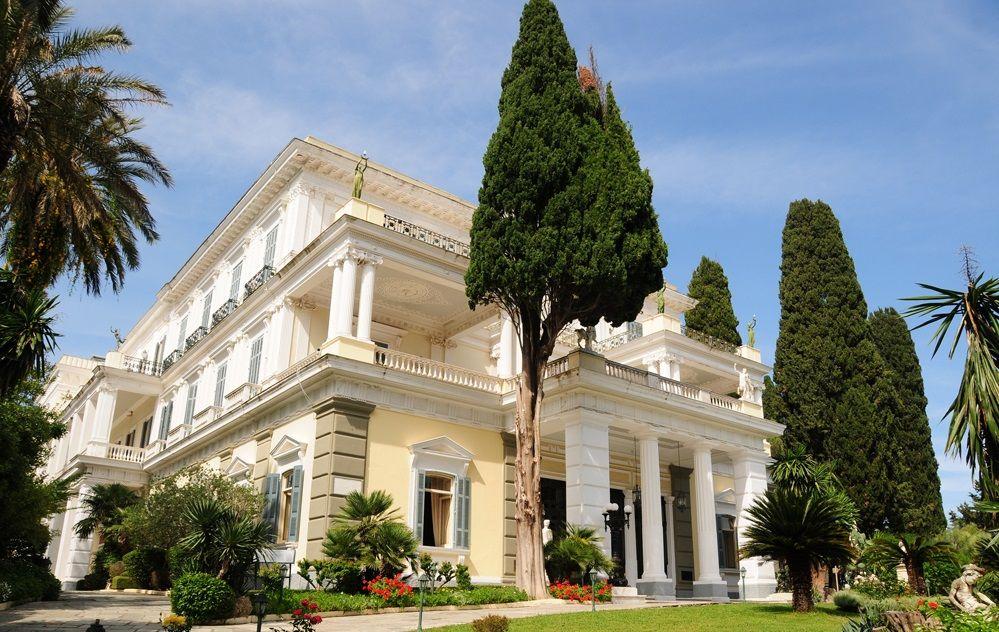 Дворец Ахиллион, остров Корфу, Греция