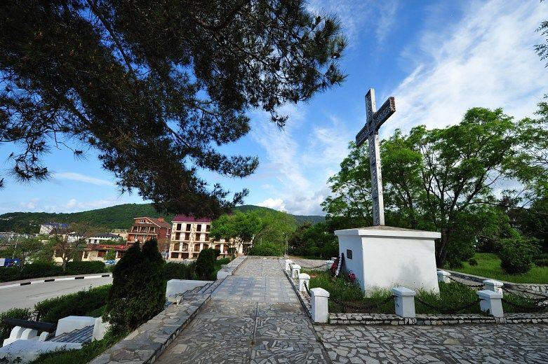 Крест-памятник Архипу Осипову