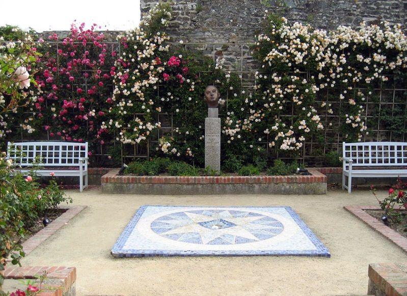 Сад Кристиана Диора в Гренвиле, Нормандия