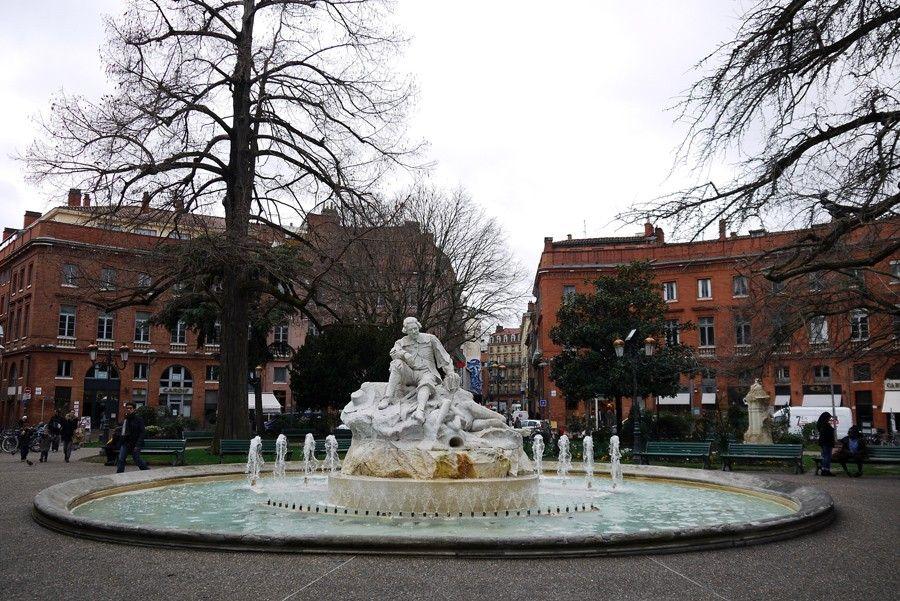 Площадь Вильсона в Тулузе
