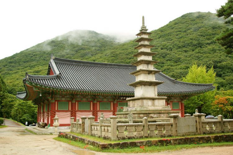 Храм Помоса близ Пусана